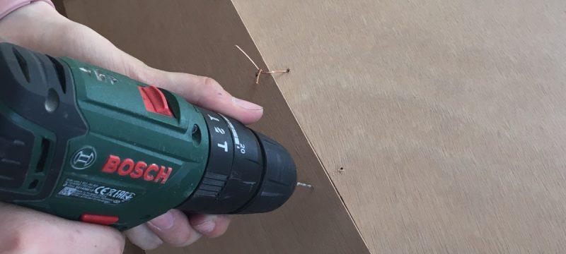 Bohren der Löcher für Stich & Glue Bauweise